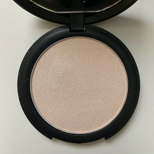 Elf highlighter (free with purchase of $40)